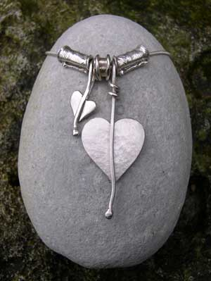 Heart leaf necklace with silver beads